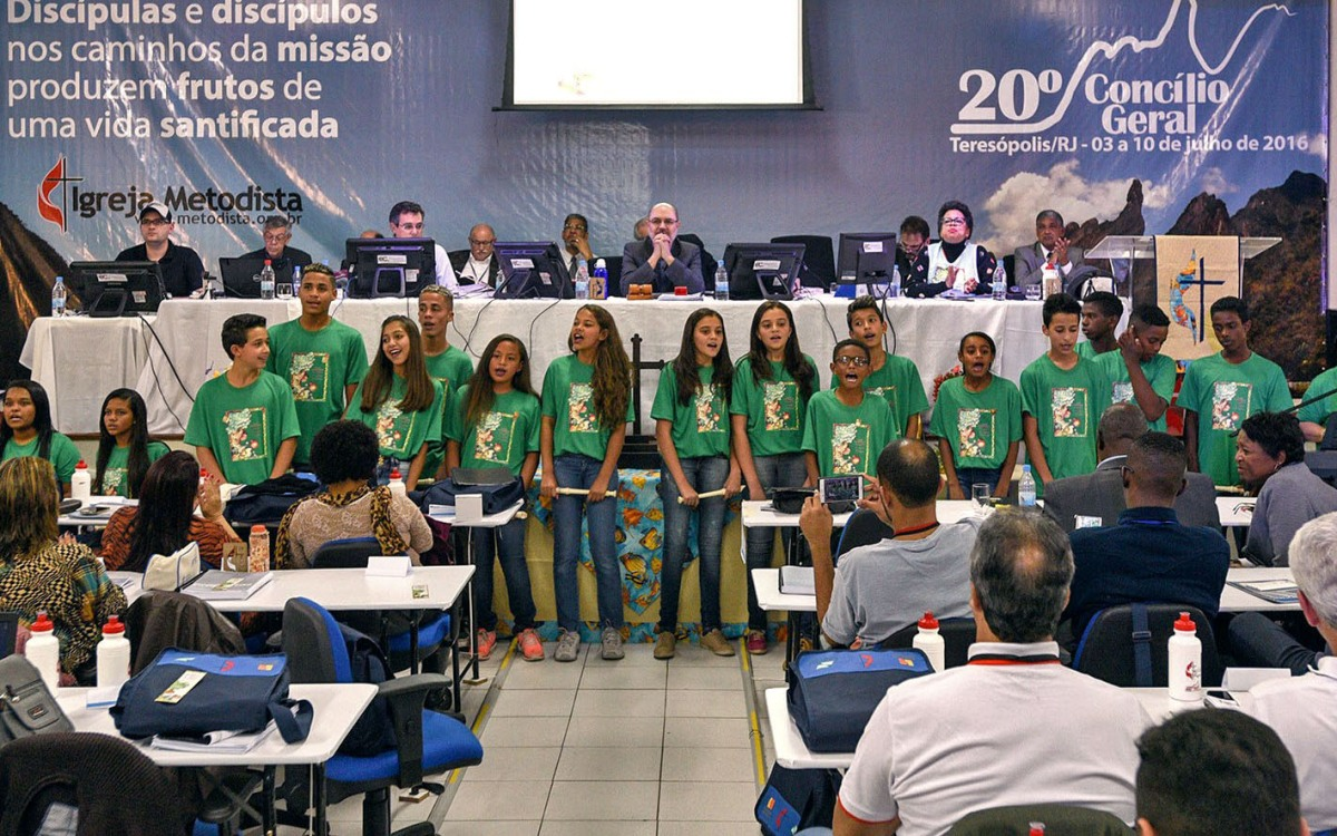 Shade and Fresh Water encourages youth in Brazil to make healthy choices