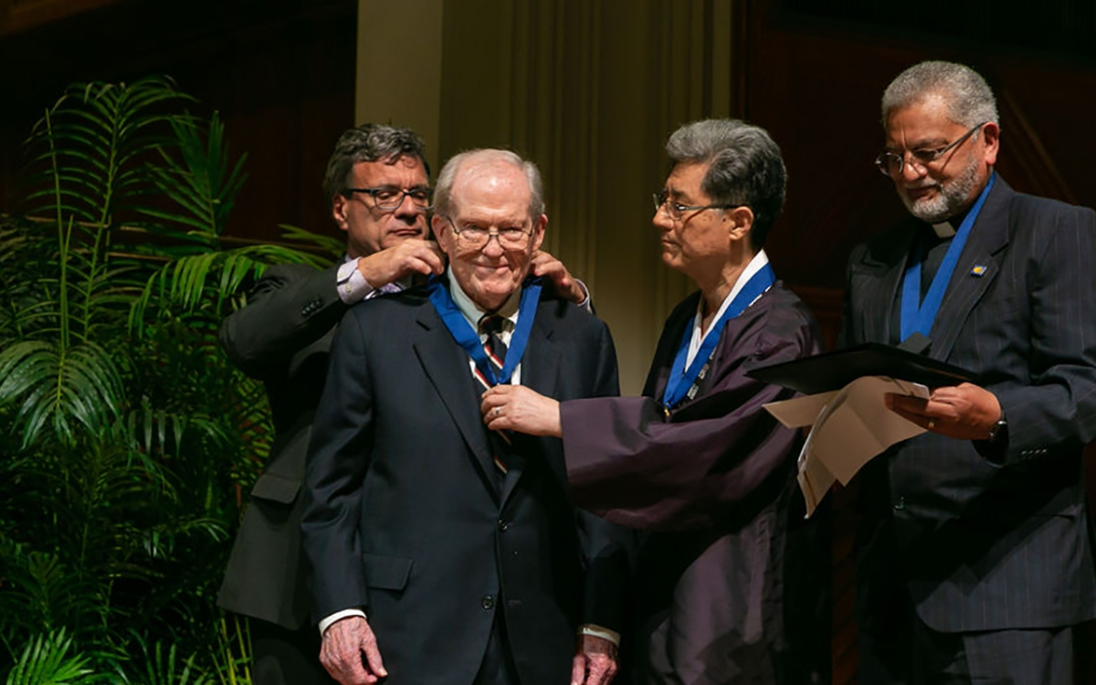 The Rev. Dr. James T. Laney receives 2019 World Methodist Peace Award