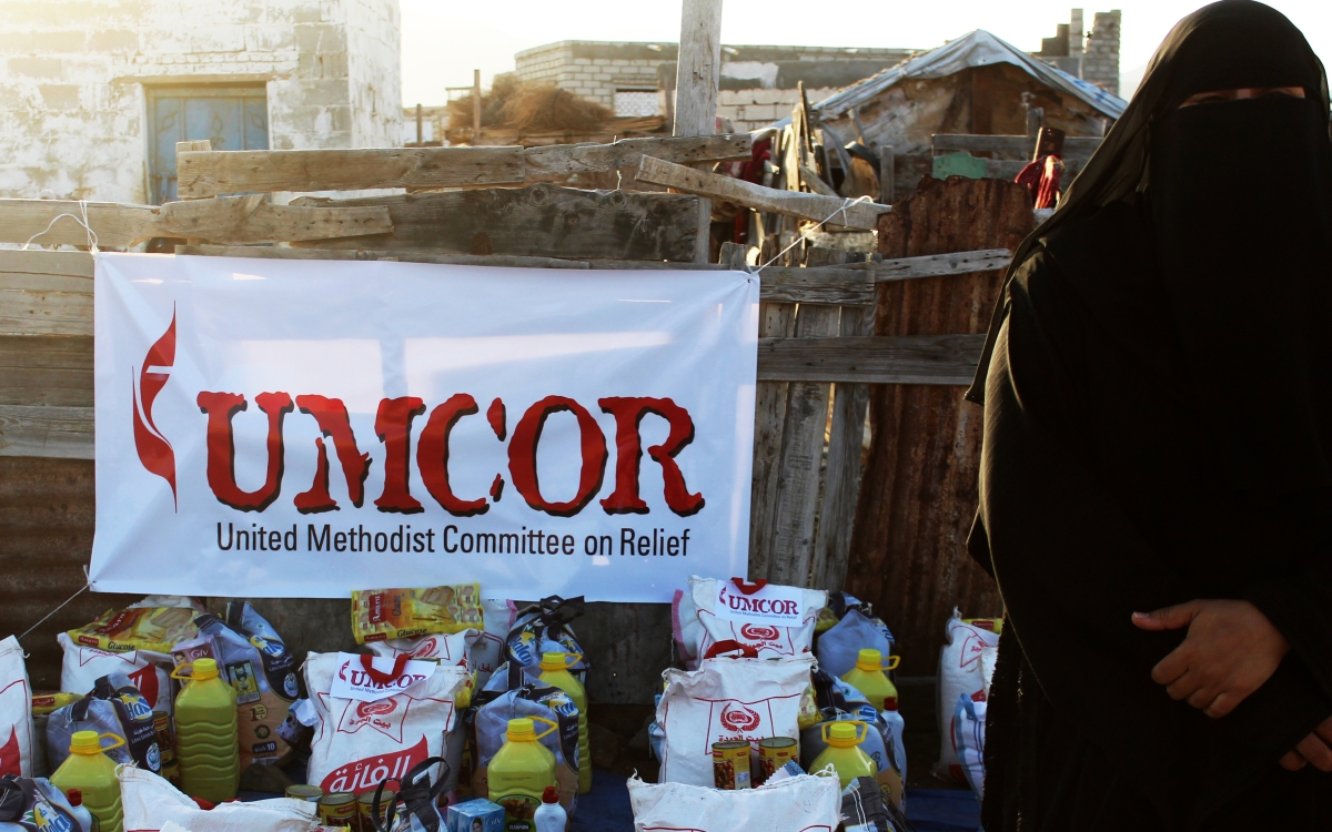 Displaced families in Yemen receive hope in UMCOR packages