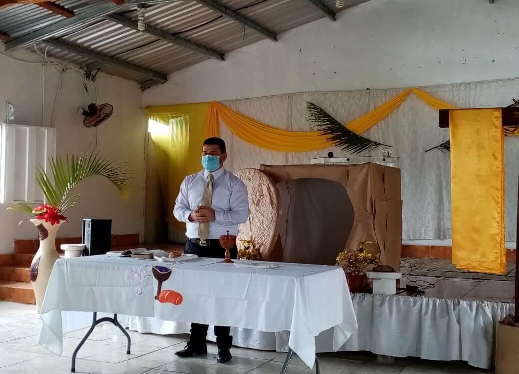 Opening doors to education for Honduran pastors